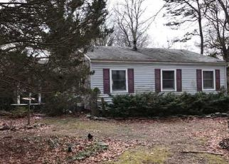 Foreclosed Home in Centereach 11720 PLYMOUTH ST - Property ID: 4129497555