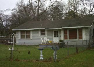 Foreclosed Home in Longview 75604 PREMIER RD - Property ID: 4130011741