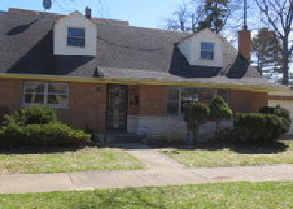 Foreclosed Home in Forest Park 60130 TAYLOR ST - Property ID: 4131082129