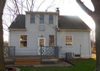 Foreclosed Home in Lansing 60438 OAKLEY AVE - Property ID: 4131086975