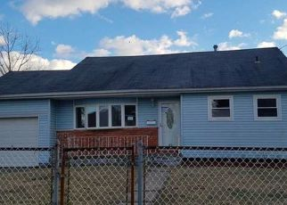 Foreclosed Home in Lindenhurst 11757 W MARINE AVE - Property ID: 4132605862