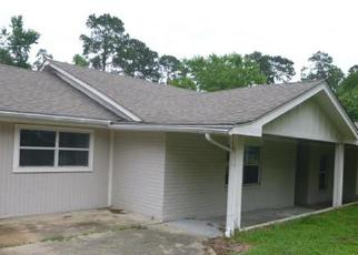Foreclosed Home in Porter 77365 RUSSELL DR - Property ID: 4137496263
