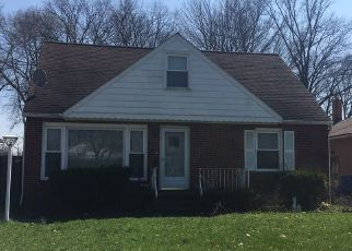 Foreclosed Home in Maple Heights 44137 JAMES AVE - Property ID: 4140234486
