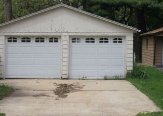 Foreclosed Home in Dixon 61021 E CHAMBERLIN ST - Property ID: 4141096414