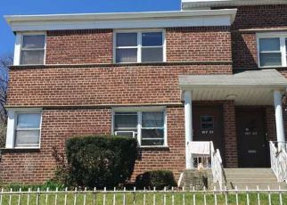Foreclosed Home in Hollis 11423 DUNTON AVE - Property ID: 4141184450