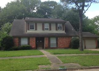 Foreclosed Home in Houston 77088 GREEN LAWN DR - Property ID: 4143685723