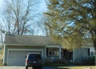 Foreclosed Home in Barrington 02806 NEW MEADOW RD - Property ID: 4151150101