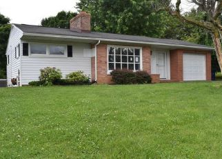 Foreclosed Home in Stanley 22851 AYLOR GRUBBS AVE - Property ID: 4151213170