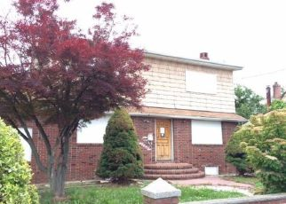 Foreclosed Home in Lindenhurst 11757 48TH ST - Property ID: 4155578911
