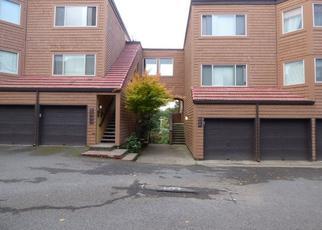 Foreclosed Home in Lake Oswego 97035 OSWEGO SMT - Property ID: 4156998374