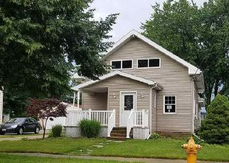 Foreclosed Home in Appleton 54911 E BREWSTER ST - Property ID: 4158236530