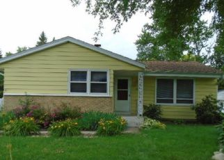 Foreclosed Home in Milwaukee 53223 N 51ST ST - Property ID: 4159066941