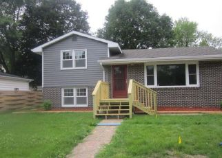 Foreclosed Home in Lake Crystal 56055 S HUNT ST - Property ID: 4163041993