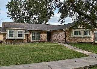 Foreclosed Home in Houston 77035 LATTIMER DR - Property ID: 4181492514