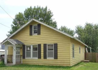 Foreclosed Home in Clinton 64735 W OHIO ST - Property ID: 4190650999