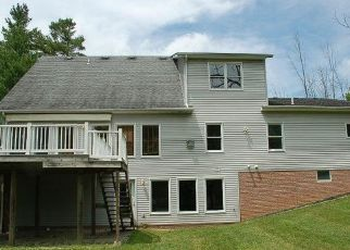 Foreclosed Home in North Royalton 44133 BENNETT RD - Property ID: 4192145800