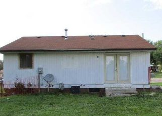 Foreclosed Home in Davenport 52806 DAVIE ST - Property ID: 4194050989