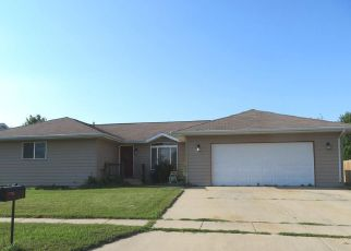 Foreclosed Home in Lennox 57039 W 2ND AVE - Property ID: 4194521805