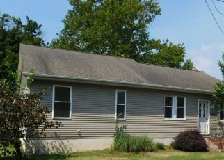 Foreclosed Home in Riverton 08077 JEFFERSON ST - Property ID: 4194607197