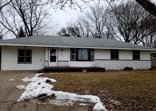 Foreclosed Home in Minneapolis 55432 MANOR DR NE - Property ID: 4196213246