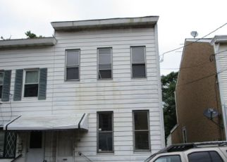 Foreclosed Home in Trenton 08611 TREMONT ST - Property ID: 4196754592