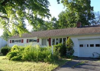 Foreclosed Home in Wethersfield 06109 NOTT ST - Property ID: 4201885453