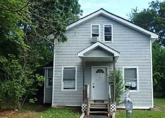 Foreclosed Home in Holbrook 11741 LEONARD ST - Property ID: 4201994509
