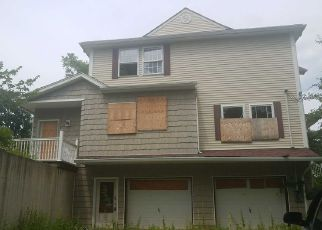 Foreclosed Home in Wallkill 12589 RIVER RD - Property ID: 4204912289