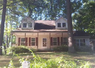 Foreclosed Home in Glens Falls 12801 WATER ST - Property ID: 4204943390