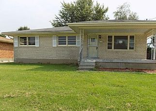 Foreclosed Home in Louisville 40216 RHONDA WAY - Property ID: 4206921723