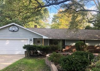 Foreclosed Home in Olmsted Falls 44138 BAGLEY RD - Property ID: 4208313152
