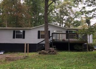Foreclosed Home in Oliver Springs 37840 FIRST NORWAY LN - Property ID: 4209727379