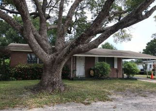 Foreclosed Home in Lake Alfred 33850 S ECHO DR - Property ID: 4211093868
