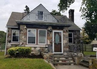 Foreclosed Home in Copiague 11726 HAWKINS BLVD - Property ID: 4211887464