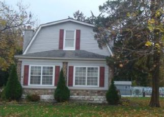 Foreclosed Home in Levittown 19057 WOODSIDE AVE - Property ID: 4212102511