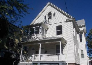 Foreclosed Home in Hartford 06114 BROWN ST - Property ID: 4214265673