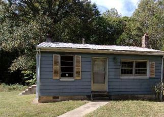 Foreclosed Home in Goochland 23063 RIDDLES BRIDGE RD - Property ID: 4214434729