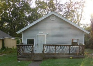 Foreclosed Home in Kansas City 64128 MONROE AVE - Property ID: 4218450959