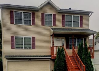 Foreclosed Home in Waterbury 06705 SCOTT RD - Property ID: 4226879316