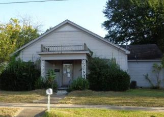 Foreclosed Home in Winnsboro 75494 RICHARDSON ST - Property ID: 4227061965