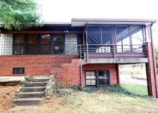 Foreclosed Home in Mount Vernon 62864 ROYAL PL - Property ID: 4228969775