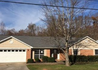 Foreclosed Home in Harvest 35749 HICKORY TRAIL DR - Property ID: 4229329341