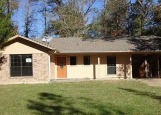 Foreclosed Home in Lufkin 75904 FALCON AVE - Property ID: 4231375564
