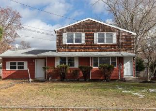 Foreclosed Home in Selden 11784 NEWTON AVE - Property ID: 4232261584