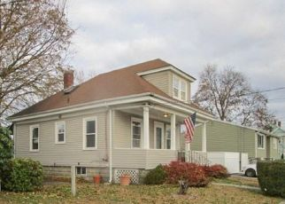 Foreclosed Home in Cranston 02910 GARDEN ST - Property ID: 4233099422