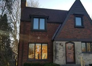 Foreclosed Home in Eastpointe 48021 CAMDEN AVE - Property ID: 4233594782