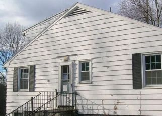 Foreclosed Home in Watertown 06795 WOODBURY RD - Property ID: 4234020485