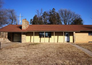 Foreclosed Home in Anthony 67003 E WALNUT ST - Property ID: 4234807523