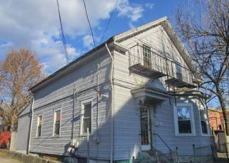 Foreclosed Home in Providence 02909 PRUDENCE AVE - Property ID: 4235312510