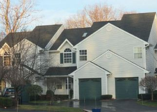 Foreclosed Home in Hauppauge 11788 PLANTATION DR - Property ID: 4236189327